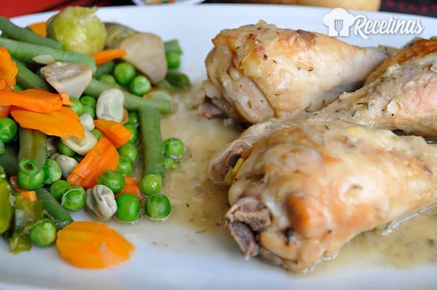 Receta de muslos de pollo al horno con verduras