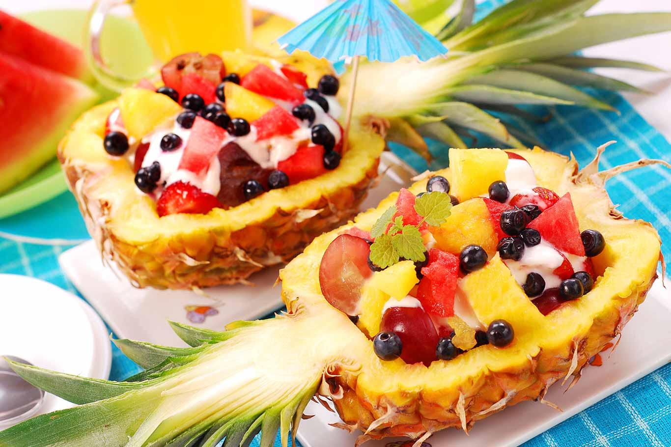 Receta de piña rellena con frutas y yogur