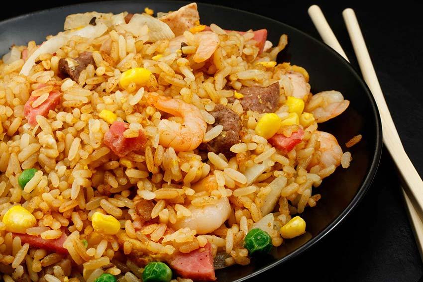 Receta de arroz salteado al estilo oriental