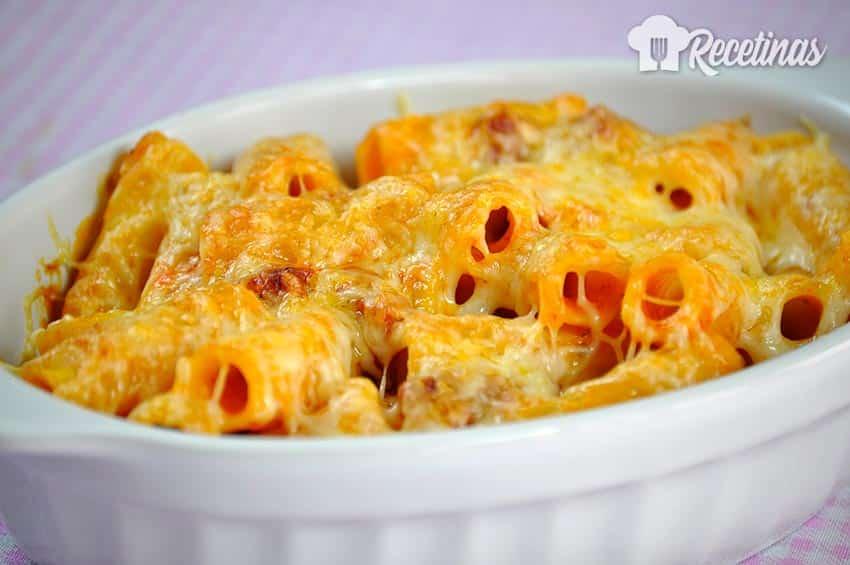 Receta de macarrones con chorizo y queso