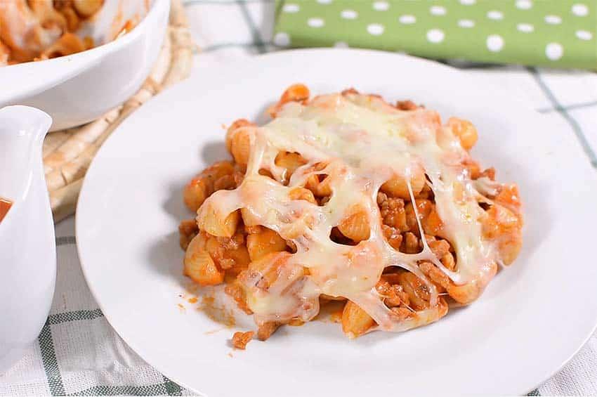 Receta de macarrones con carne picada y queso gratinado