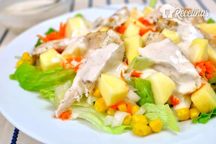 Receta de ensalada de pollo con salsa de yogur